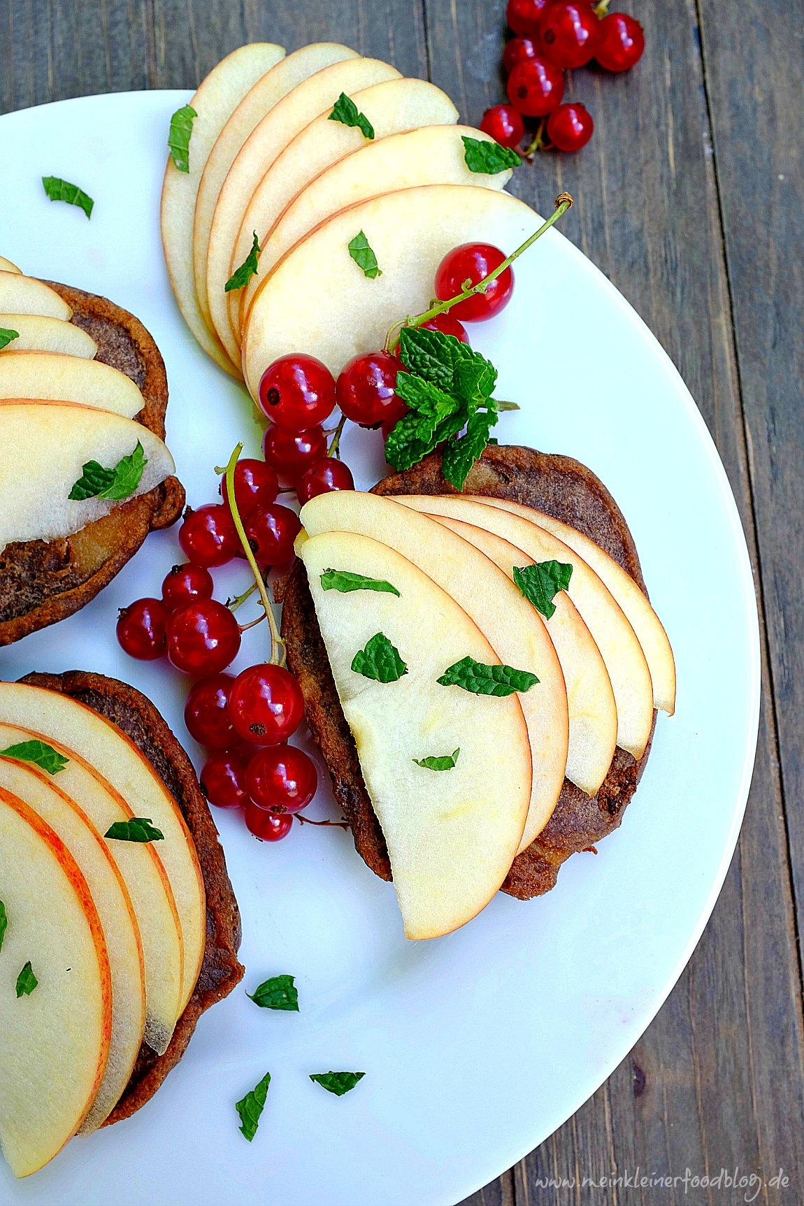 Schoko-Apfelküchlein schmecken wunderbar schokoladig und sind ein perfekter Snack für das Vesper. Sie sind glutunfrei und nur wenig gesüßt. Ein leckerer Snack.